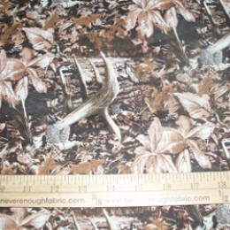 Wild Wings Hunting leaves and antlers Camoflauge
