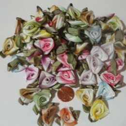LG Variegated Folded Silk Ribbon Roses 100 count  #30